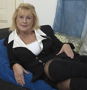 MILF Granny Porn Pics